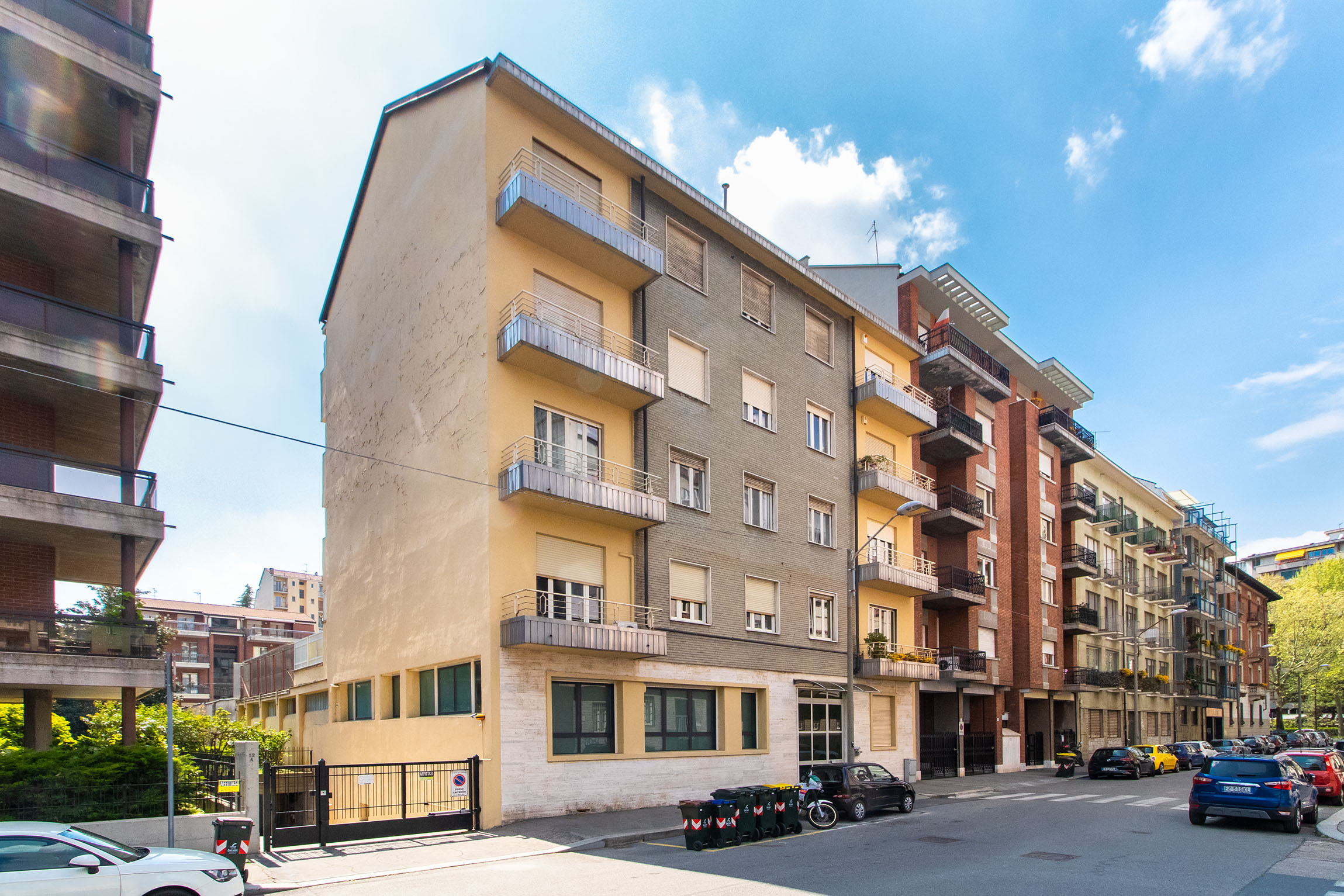 Torino Via Poirino, 10 adiacente C.so Unione Sovietica